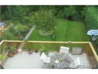Photo 9: 2709 Avebury Ave in VICTORIA: Vi Oaklands Single Family Detached for sale (Victoria)  : MLS®# 446088