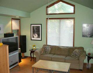 Photo 4: 35 GREENWOOD Avenue in WINNIPEG: St Vital Single Family Detached for sale (South East Winnipeg)  : MLS®# 2611167