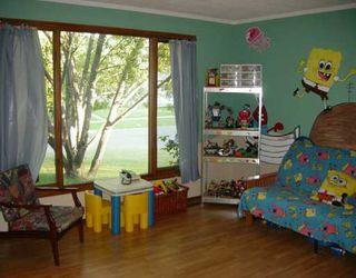 Photo 3: 35 GREENWOOD Avenue in WINNIPEG: St Vital Single Family Detached for sale (South East Winnipeg)  : MLS®# 2611167