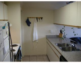 "Photo 2: 10 1350 W 6TH Avenue in Vancouver: Fairview VW Townhouse for sale in ""PEPPER RIDGE"" (Vancouver West)  : MLS®# V752874"