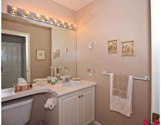 "Photo 6: 301 820 HABGOOD Street in White_Rock: White Rock Condo for sale in ""VILLA DADANELLS"" (South Surrey White Rock)  : MLS®# F2905563"
