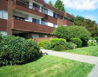 "Photo 1: 306 122 E 17TH Street in North_Vancouver: Central Lonsdale Condo for sale in ""Imperial House"" (North Vancouver)  : MLS®# V764993"