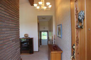 Photo 2: 6519 Hardisty Drive in Edmonton: Zone 19 House for sale : MLS®# E4165754