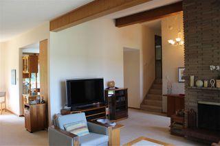 Photo 5: 6519 Hardisty Drive in Edmonton: Zone 19 House for sale : MLS®# E4165754