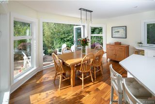 Photo 14: 3704 Arbutus Ridge in VICTORIA: SE Ten Mile Point Single Family Detached for sale (Saanich East)  : MLS®# 825961
