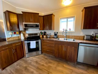 "Photo 6: 8610 79A Street in Fort St. John: Fort St. John - City SE Manufactured Home for sale in ""WINDFIELD ESTATES"" (Fort St. John (Zone 60))  : MLS®# R2484457"