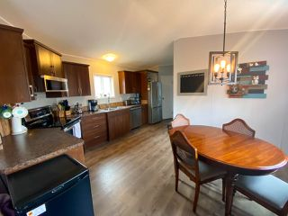 "Photo 5: 8610 79A Street in Fort St. John: Fort St. John - City SE Manufactured Home for sale in ""WINDFIELD ESTATES"" (Fort St. John (Zone 60))  : MLS®# R2484457"