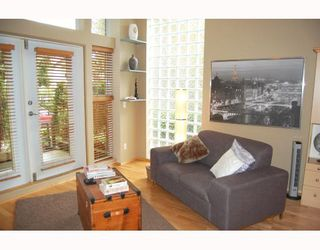 """Photo 2: 103 980 W 22ND Avenue in Vancouver: Cambie Condo for sale in """"SIMON LOFTS"""" (Vancouver West)  : MLS®# V785573"""