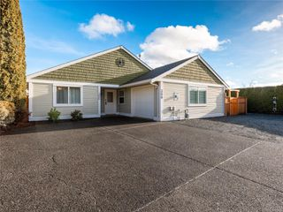 Main Photo: 300 Church Rd in : PQ Parksville House for sale (Parksville/Qualicum)  : MLS®# 861932