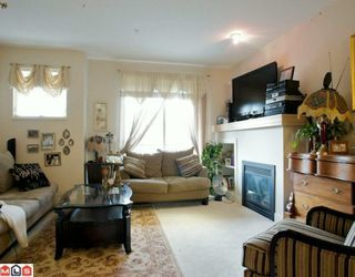 "Photo 3: 47 20326 68TH Avenue in Langley: Willoughby Heights Townhouse for sale in ""SUNPOINTE"" : MLS®# F1005168"