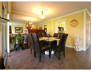 """Photo 5: 9 2118 EASTERN Avenue in North_Vancouver: Central Lonsdale Townhouse for sale in """"Bowling Green"""" (North Vancouver)  : MLS®# V767193"""