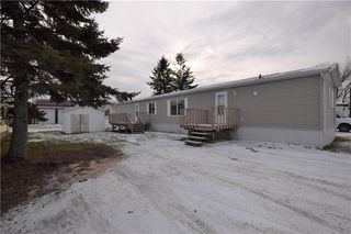 Photo 2: 5 BIRCH Crescent in St Clements: Birdshill Mobile Home Park Residential for sale (R02)  : MLS®# 1932095