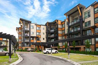 """Photo 17: 214 20829 77A Avenue in Langley: Willoughby Heights Condo for sale in """"WEX"""" : MLS®# R2426060"""
