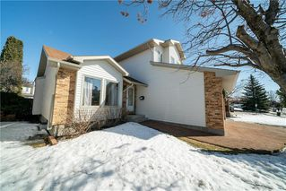Photo 2: 19 Eaglemount Crescent in Winnipeg: Linden Woods Residential for sale (1M)  : MLS®# 202006559