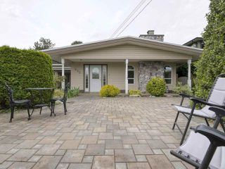 "Photo 1: 233 67 Street in Tsawwassen: Boundary Beach House for sale in ""Bounday Bay"" : MLS®# R2455324"