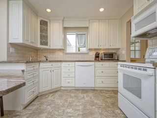 "Photo 4: 233 67 Street in Tsawwassen: Boundary Beach House for sale in ""Bounday Bay"" : MLS®# R2455324"