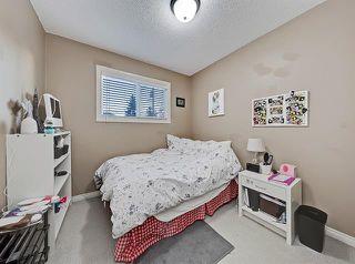 Photo 28: 2037 50 AV SW in Calgary: North Glenmore Park Duplex for sale ()  : MLS®# C4216424