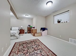 Photo 22: 2037 50 AV SW in Calgary: North Glenmore Park Duplex for sale ()  : MLS®# C4216424