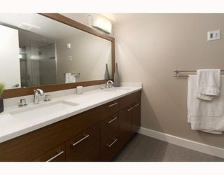 """Photo 8: 1201 1188 QUEBEC Street in Vancouver: Mount Pleasant VE Condo for sale in """"Citygate 1"""" (Vancouver East)  : MLS®# V787211"""