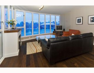 """Photo 3: 1201 1188 QUEBEC Street in Vancouver: Mount Pleasant VE Condo for sale in """"Citygate 1"""" (Vancouver East)  : MLS®# V787211"""