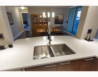 """Photo 7: 1201 1188 QUEBEC Street in Vancouver: Mount Pleasant VE Condo for sale in """"Citygate 1"""" (Vancouver East)  : MLS®# V787211"""