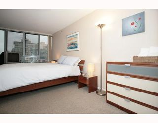 "Photo 4: 2405 950 CAMBIE Street in Vancouver: Downtown VW Condo for sale in ""LANDMARK PACIFIC I"" (Vancouver West)  : MLS®# V799375"