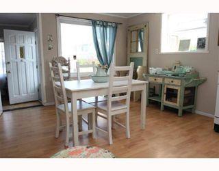 """Photo 3: 1685 BEACH GROVE Road in Tsawwassen: Beach Grove House for sale in """"Beach Grove"""" : MLS®# V803272"""