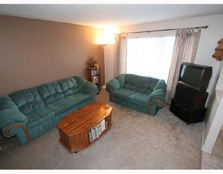 Photo 3: 53 RADCLIFFE Close SE in CALGARY: Radisson Heights Residential Attached for sale (Calgary)  : MLS®# C3346576