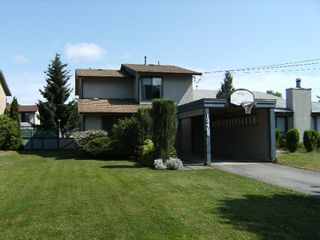 Photo 1: 13465 68A Avenue in Surrey: West Newton House 1/2 Duplex for sale : MLS®# F2828620