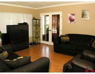 Photo 2: 14920 KEW Drive in Surrey: Bolivar Heights House for sale (North Surrey)  : MLS®# F2917208