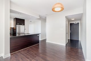 "Photo 8: 3001 2968 GLEN Drive in Coquitlam: North Coquitlam Condo for sale in ""GRAND CENTRAL 2"" : MLS®# R2399746"