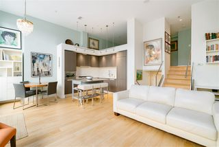 """Photo 5: 296 W 1ST Avenue in Vancouver: False Creek Townhouse for sale in """"The James"""" (Vancouver West)  : MLS®# R2406593"""