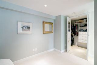 """Photo 10: 296 W 1ST Avenue in Vancouver: False Creek Townhouse for sale in """"The James"""" (Vancouver West)  : MLS®# R2406593"""