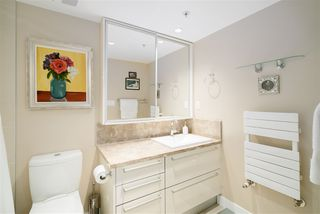"""Photo 8: 296 W 1ST Avenue in Vancouver: False Creek Townhouse for sale in """"The James"""" (Vancouver West)  : MLS®# R2406593"""