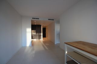 Photo 11: : Vancouver Condo for rent : MLS®# AR086