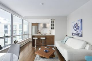 """Photo 3: 1501 159 W 2ND Avenue in Vancouver: False Creek Condo for sale in """"TOWN GREEN AT WEST"""" (Vancouver West)  : MLS®# R2429033"""
