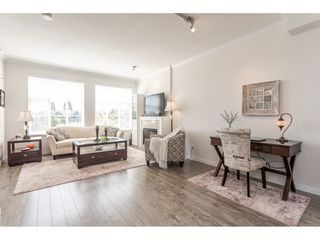 """Photo 4: 2 6677 192 Diversion in Surrey: Clayton Townhouse for sale in """"Clayton Cove"""" (Cloverdale)  : MLS®# R2432937"""