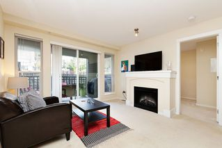 "Photo 2: 207 3082 DAYANEE SPRINGS BOULEVARD Boulevard in Coquitlam: Westwood Plateau Condo for sale in ""The Lanterns"" : MLS®# R2443838"