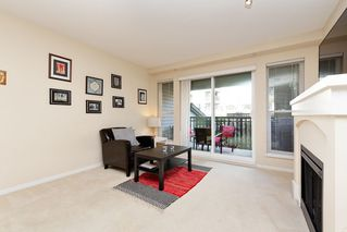 "Photo 3: 207 3082 DAYANEE SPRINGS BOULEVARD Boulevard in Coquitlam: Westwood Plateau Condo for sale in ""The Lanterns"" : MLS®# R2443838"
