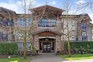 "Photo 1: 207 3082 DAYANEE SPRINGS BOULEVARD Boulevard in Coquitlam: Westwood Plateau Condo for sale in ""The Lanterns"" : MLS®# R2443838"
