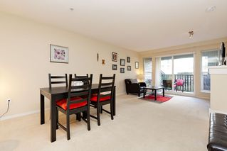 "Photo 4: 207 3082 DAYANEE SPRINGS BOULEVARD Boulevard in Coquitlam: Westwood Plateau Condo for sale in ""The Lanterns"" : MLS®# R2443838"