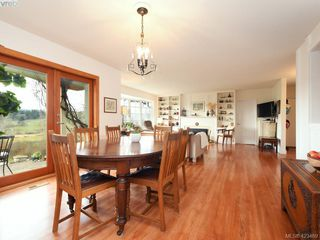 Photo 9: 1217 Mt. Newton Cross Rd in SAANICHTON: CS Inlet House for sale (Central Saanich)  : MLS®# 836296