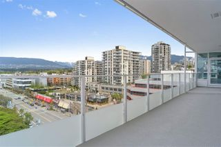 """Photo 2: 1005 118 CARRIE CATES Court in North Vancouver: Lower Lonsdale Condo for sale in """"PROMENADE"""" : MLS®# R2452137"""