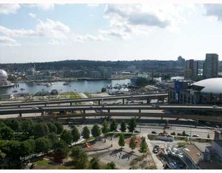 """Photo 7: 2301 550 TAYLOR Street in Vancouver: Downtown VW Condo for sale in """"TAYLOR"""" (Vancouver West)  : MLS®# V783224"""