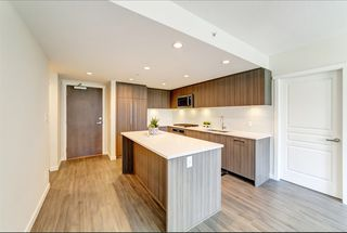 "Photo 4: 405 3096 WINDSOR Gate in Coquitlam: New Horizons Condo for sale in ""Mantyla by Polygon"" : MLS®# R2470868"