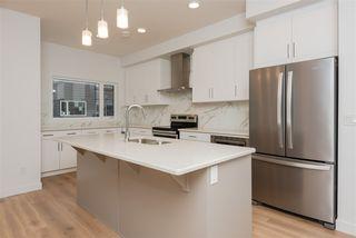 Photo 6: 2 9745 92 Street in Edmonton: Zone 18 Townhouse for sale : MLS®# E4210362