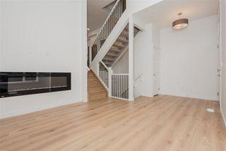 Photo 3: 2 9745 92 Street in Edmonton: Zone 18 Townhouse for sale : MLS®# E4210362