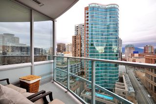 "Photo 10: 1703 833 HOMER Street in Vancouver: Downtown VW Condo for sale in ""ATELIER ON ROBSON"" (Vancouver West)  : MLS®# V861486"