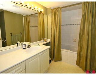 """Photo 9: 101 5556 201A Street in Langley: Langley City Condo for sale in """"MICHAUD GARDENS"""" : MLS®# F2822455"""