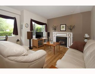 Photo 3: 102 5626 LARCH Street in Vancouver: Kerrisdale Condo for sale (Vancouver West)  : MLS®# V772542